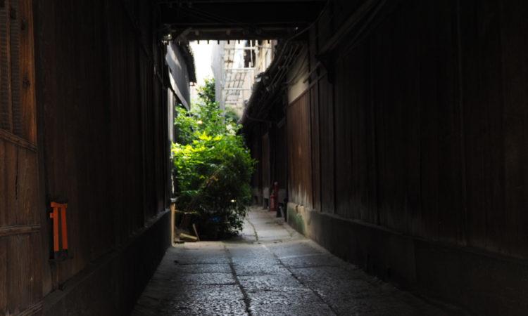 【京都を超歩く】路地裏を撮る。